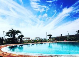 soleado-piscina-12